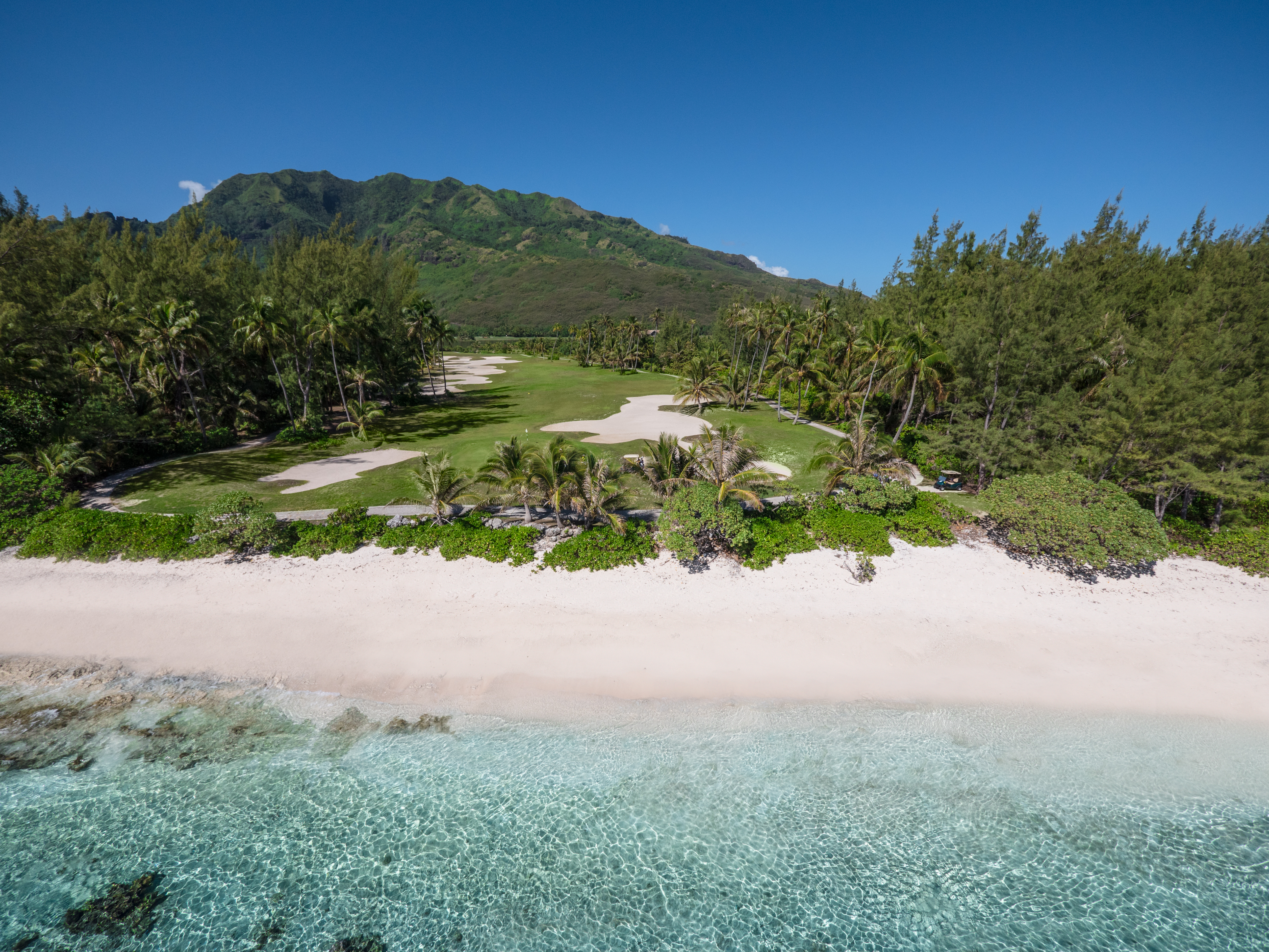 https://tahititourisme.cl/wp-content/uploads/2017/08/ACTIVITES-TERRESTRES-Moorea-Green-Pearl-Golf-2.jpg