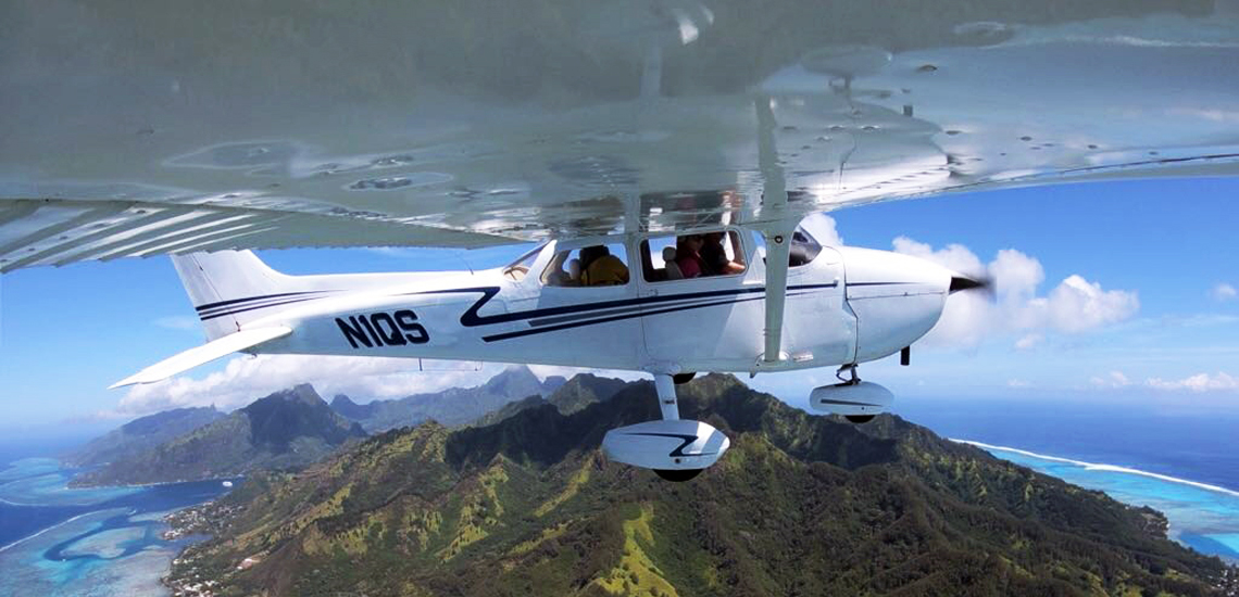https://tahititourisme.cl/wp-content/uploads/2017/08/C3P-Cessna-above-Moorea.jpg