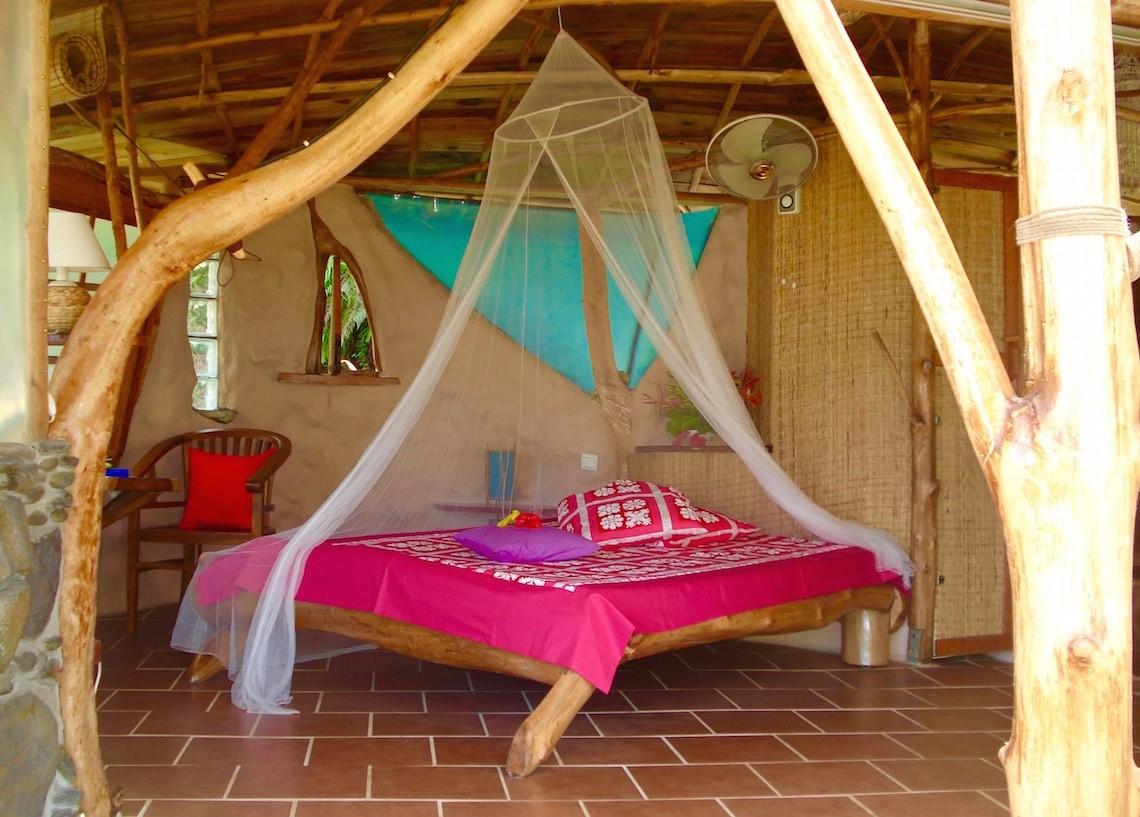 https://tahititourisme.cl/wp-content/uploads/2017/08/HEBERGEMENT-Vanira-Lodge-1.jpg
