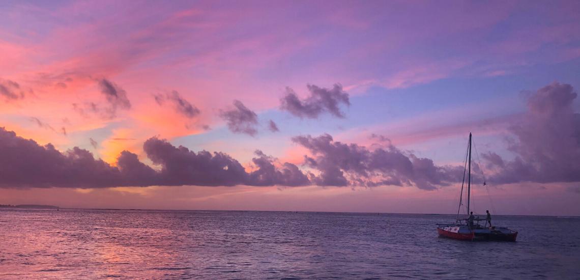 https://tahititourisme.cl/wp-content/uploads/2017/08/voilamoorea_sunset_1140x550.png