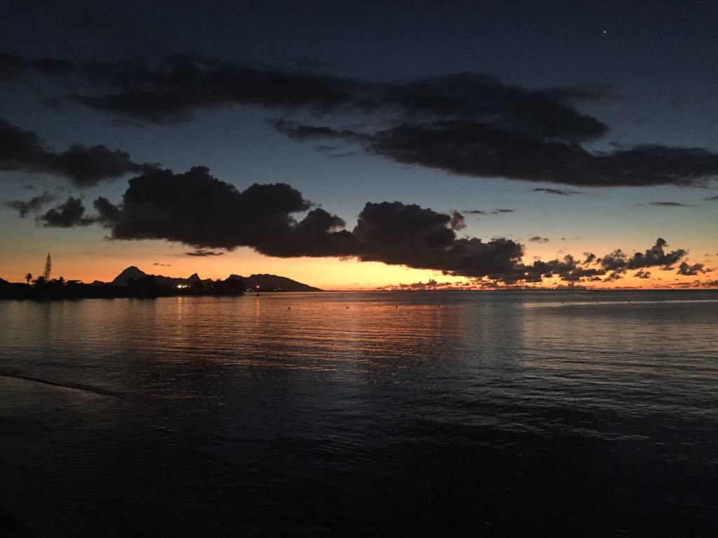 https://tahititourisme.cl/wp-content/uploads/2017/09/Mer-coucher-de-soleil.jpg