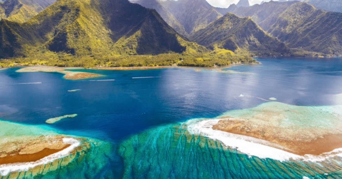 https://tahititourisme.cl/wp-content/uploads/2017/09/TahitiItiToursSurf2_1140x550-min.png