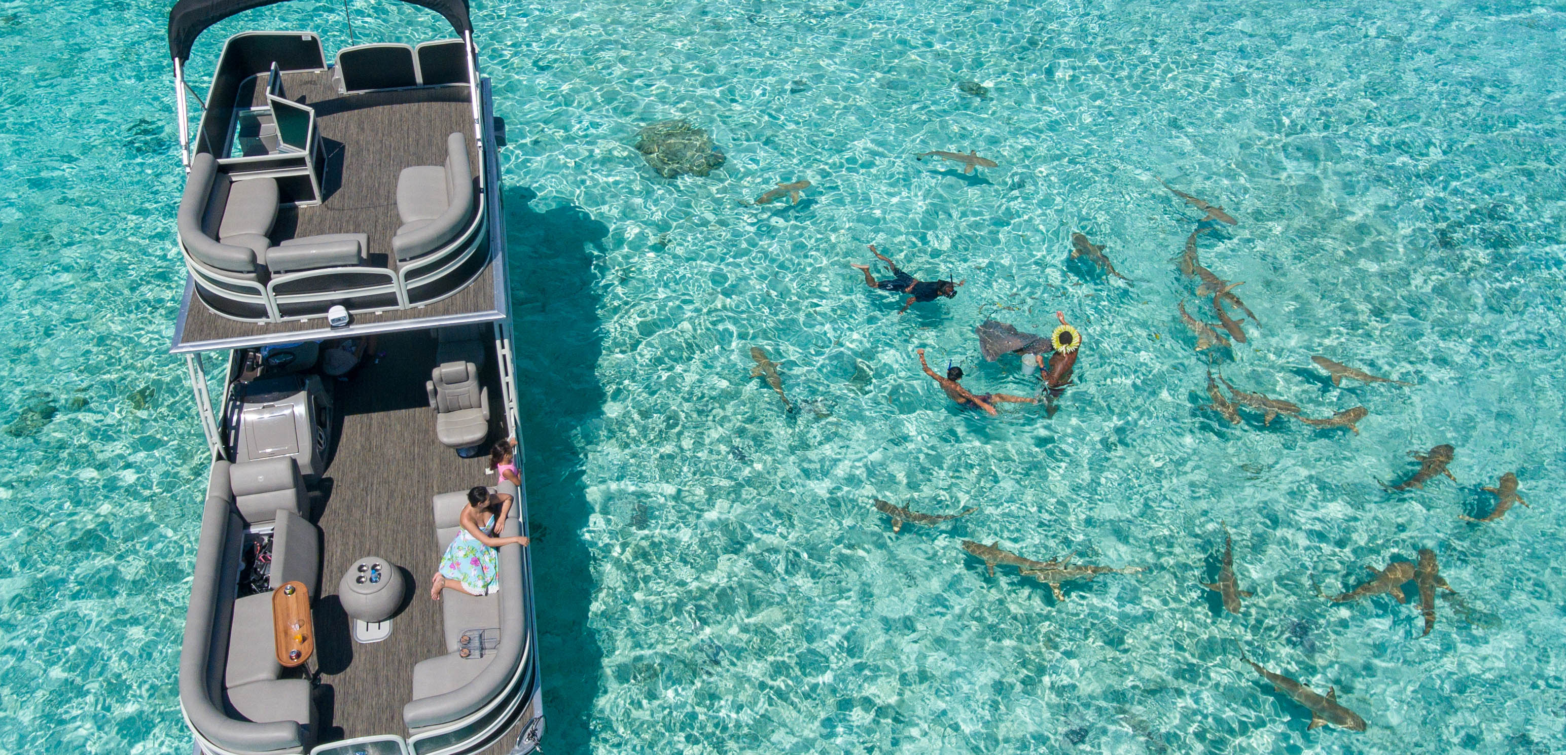 https://tahititourisme.cl/wp-content/uploads/2017/10/ToaBoat_couv.jpg