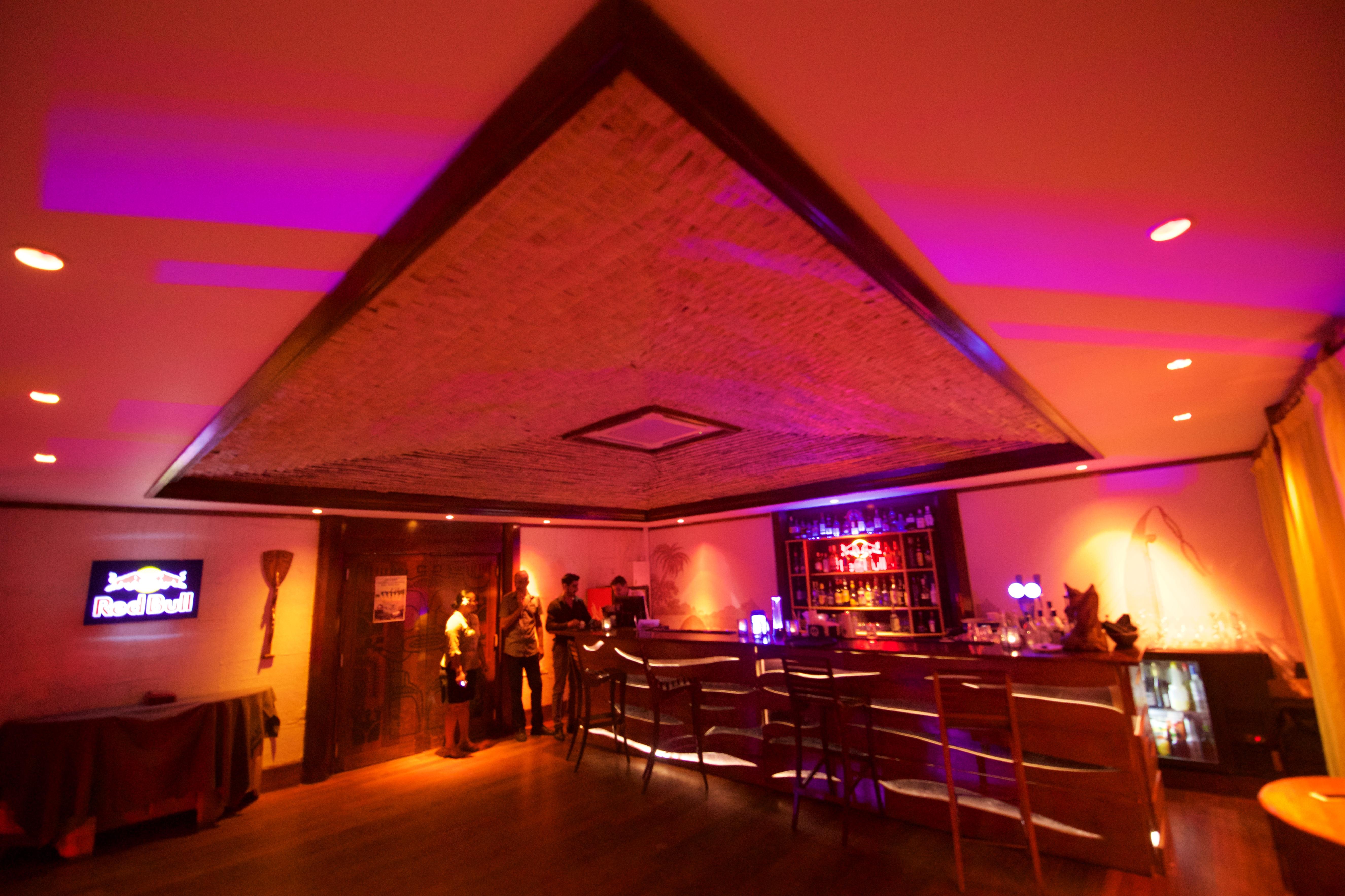 https://tahititourisme.cl/wp-content/uploads/2018/03/RESTAURATION-Matahiehani-Lounge-Bar-1-Tim_McKenna.jpg