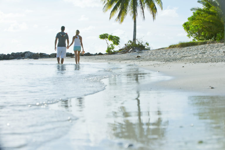 Polinesia autentica, con la isla de Huahine.