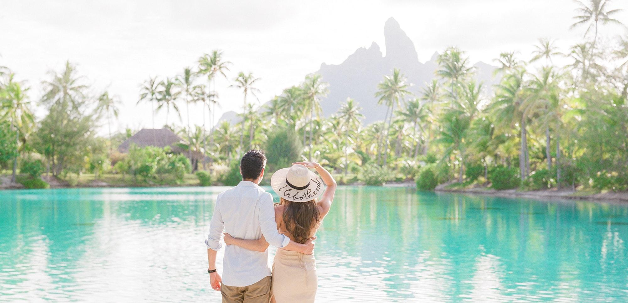 https://tahititourisme.cl/wp-content/uploads/2021/04/PCP-Bora-Bora-Photographer-St-Regis-Honeymoon.jpg